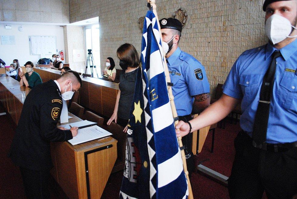 Bezpečnostní a záchranné sbory ocenily s Mostem desítky lidí