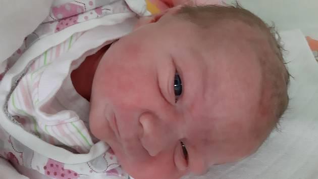 Martina Popovičová se narodila mamince Martině Machalové z Libčevsi 28. září ve 20.05 hodin. Měřila 51 cm a vážila 3,56 kg.