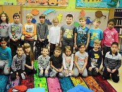 Žáci 1. A v 7. ZŠ Most s třídní učitelkou Ivanou Neradovou.