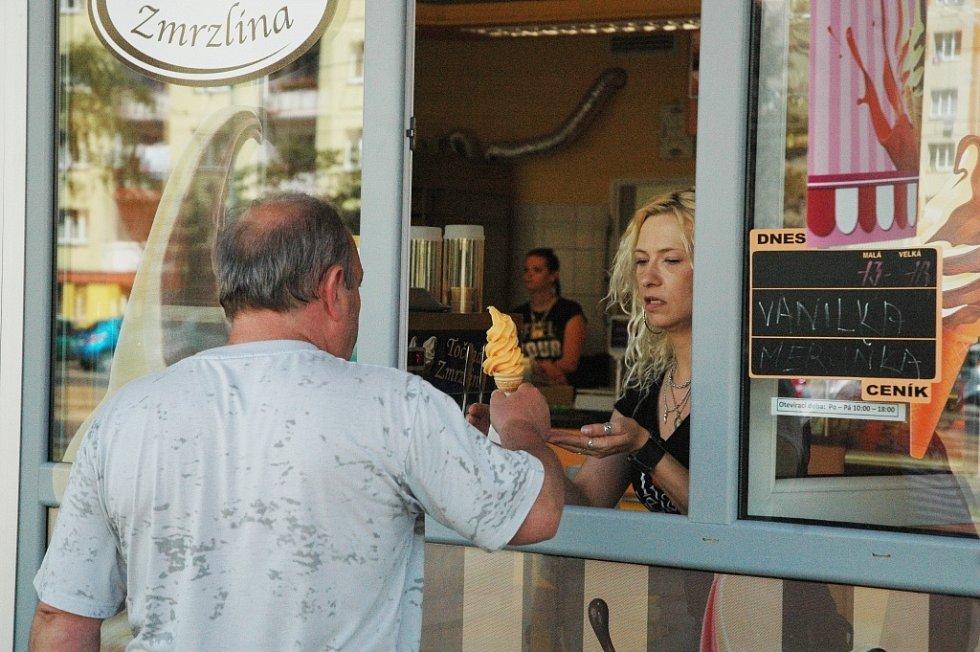 Prodejny zmrzliny v centru Mostu: Pekosa/Rozkvět
