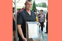Michal Ježek, majitel Uzenářství Ježek z Mostu, převzal ocenění za Krušnohorský salám.