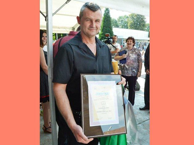Michal Ježek, majitel Uzenářství Ježek zMostu, převzal ocenění za Krušnohorský salám.