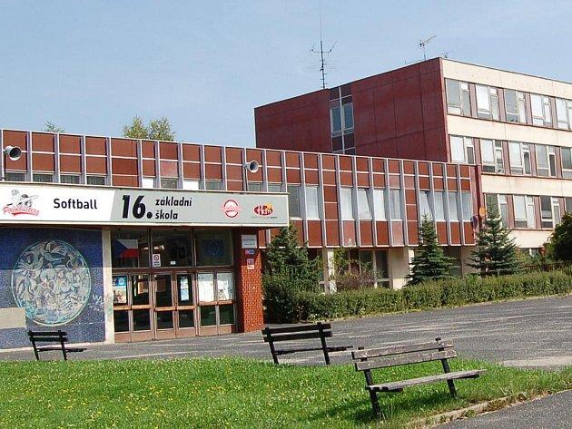16. ZŠ v mostecké Albrechtické ulici.