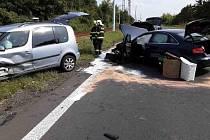 Nehoda tří aut v Litvínově.