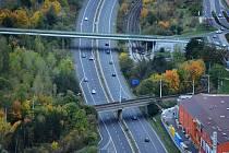 Silnice I/27 Chomutov - Bílina v Mostě. Zde by měl začínat právě první úsek směrem na Bílinu, kde se pojede 110.
