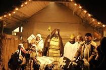 Na náměstí v Hoře Svaté Kateřiny byl živý betlém už počtvrté.