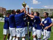 Mostecký fotbalový klub slaví postup.