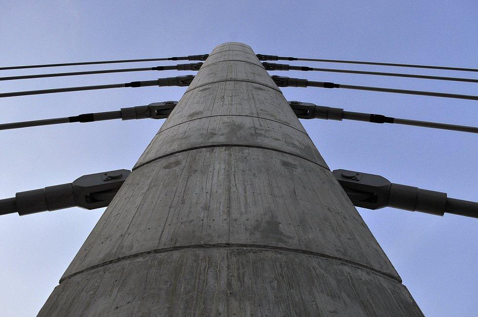 Nový most přes řeku Bílina