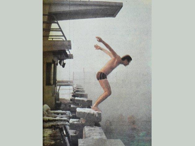 Mostecké koupaliště v roce 1979.