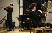 Koncertem špičkového houslisty Milana Al-Ashhaba se obnovily Mostecké hudební pondělky
