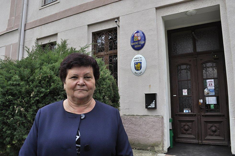 Starostka Bečova u Mostu Jitka Sadovská.