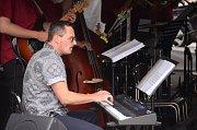 Promenádní koncert Big Bandu Zdenka Tölga v centru Mostu