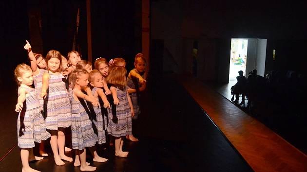 Krajská soutěžní přehlídka tanečního oboru základních uměleckých škol v Mostě
