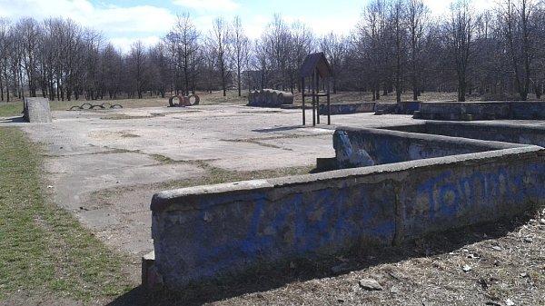 Betonová plocha na Šibeníku, která se bude bourat.