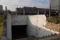 Podchod mezi Mostem a čtvrtí Rudolice.