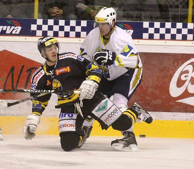 Hokejisté Litvínova hostili na svém ledě hokejisty Kladna