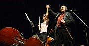 Flétnistka Isabelle Prain a Petr Macek.
