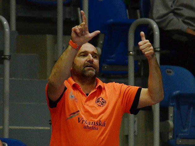 Trenér Mostu Peter Dávid.