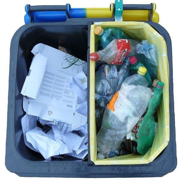 Nové nádoby jsou na papír, plast a nápojový karton.