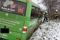 Zapadlý autobus u Havraně