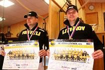 Fyzioterapeut Milan Javanský se zlatou extraligovou medailí, ke které také Vervě pomohl.