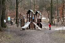 Další hru s názvem Březen za kamna vlezem přichystalo SVČ Most na vrchu Ressl.