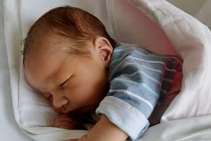 Matěj Vávra se narodil 8. září v 16.38 hodin rodičům Monice a Michalu Vávrovým. Měřil 53 cm a vážil 3,95 kg.