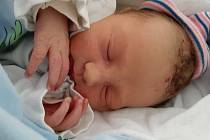 Jakub Hrneček se narodil mamince Marcele Hrnečkové z Mostu 8. listopadu 2020 ve 14.00 hodin. Měřil 46 cm a vážil 2,63 kilogramu.