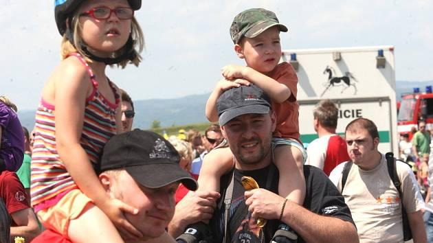 Na mosteckém polygonu bude v neděli tradiční Den záchranářů. Snímek je z roku 2012.