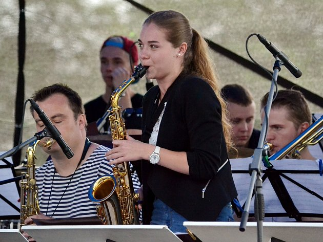 Big Band teplické konzervatoře hraje na setkání hudebníků v Litvínově