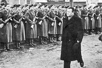 NETVOR. Zrůda a masový vrah, za kterého mnozí prvního dělnického prezidenta Gottwalda považují, zůstane i nadále čestným občanem Turnova. Přepisovat historii nikdo nechce.
