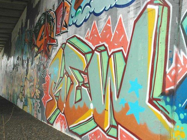 Sprejem proti zdi: Výtvarníci a vandalové