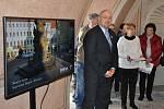 Morový sloup zdobí Teplice už 300 let. Z vernisáže výstavy.