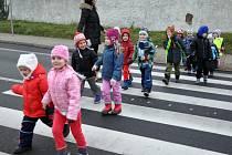 Přecházet silnici v Bořislavi je teď jednodušší.