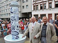 Slavnostní spuštění Porcelánové fontány před Krušnohorským divadlem v Teplicích