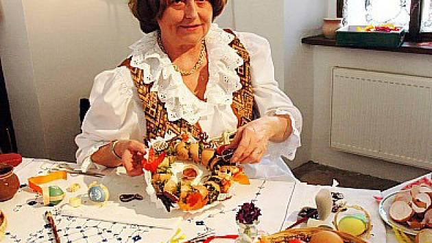Na oseckých oslavách se představila i Jarmila Brhlíková s tardičními kraslicemi