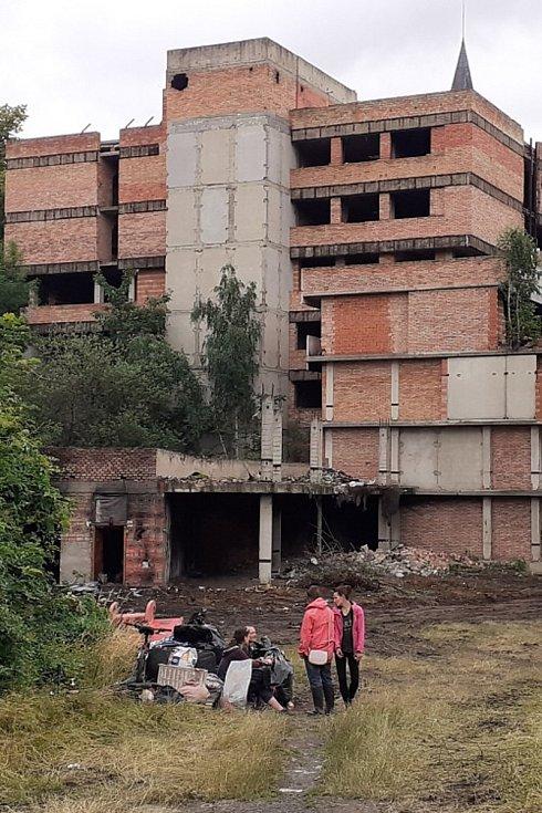 Vystěhovaní bezdomovci z Mlýnské ulice v Teplicích, sobota 3. července 2021.