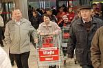 Bílina má nový hypermarket