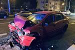 V teplické ulici Duchcovská se srazilo auto s trolejbusem.