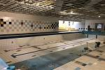 Nový bazén pro plavce v Aquacentru Teplice je společně s celým zařízením těsně před dokončením.