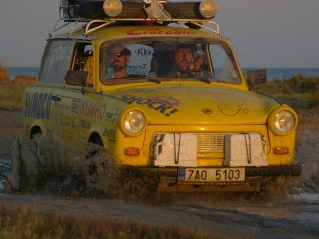 Dan Přibáň se svou digishow o cestě Jižní Amerikou na trabantech a motorkách.