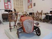 Expozice kočárků a dětských vozidel firmy Hiko v Duchcově.