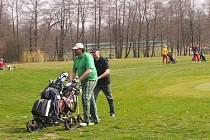 Start golfové sezóny se vydařil