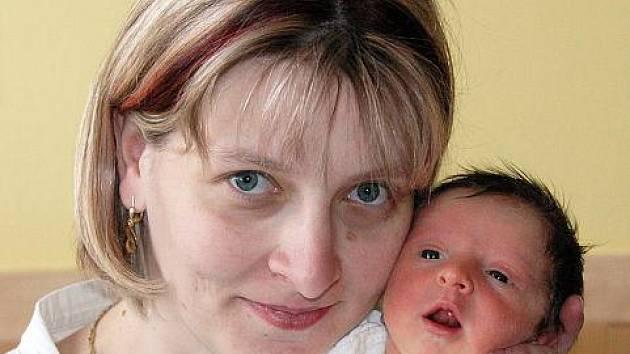 Mamince Šárce Petruželové z Dubí se v ústecké porodnici 15. dubna v 17.07 hod. narodila dcera Eliška Petruželová. Měřila 48 cm a vážila 2,63 kg.