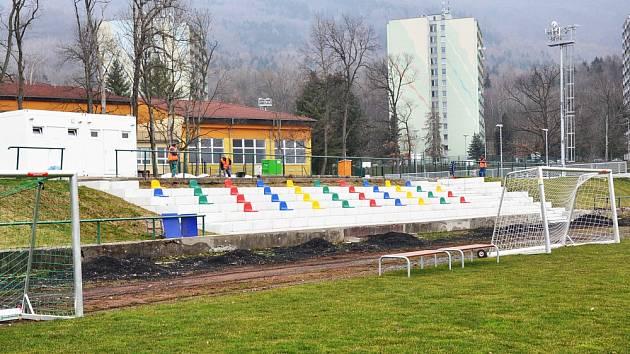 Ve sportovním areálu v Oseku pokračují stavební úpravy.