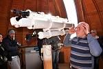 Pozorování částečného zatmění Slunce z teplické hvězdárny.