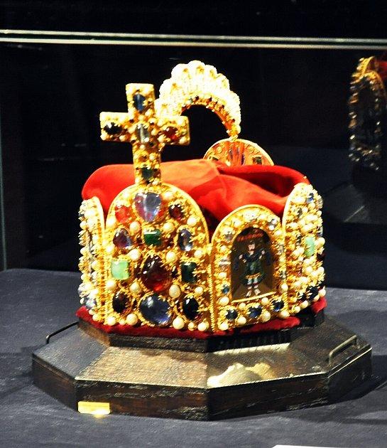 Císařská koruna na teplickém zámku