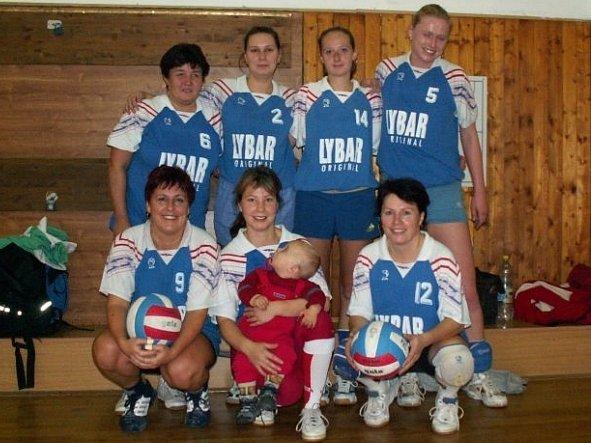 Ženské volejbalové družstvo Dahlia.
