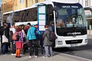 Arriva na autobusové lince Teplice –  Praha. Ilustrační foto.