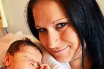 Mamince Andree Dőmeové z Duchcova se 25. srpna v 19.30 hod. v teplické porodnici narodila dcera Karolína Dőmeová. Měřila 48 cm a vážila 3,55 kg.
